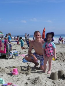 sandcastle_alaina_and_daddy
